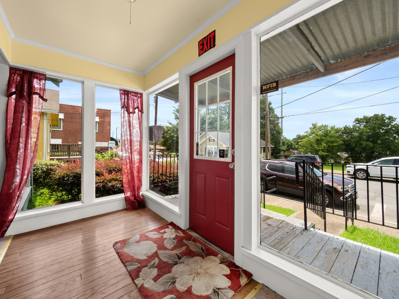 Leesville commercial property for sale, 100 1/2 E Texas St, Leesville LA - $75,000