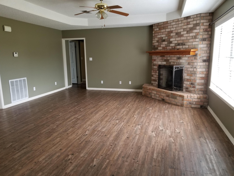 DeRidder home for sale, 1252 Christina Dr, DeRidder LA - $204,500