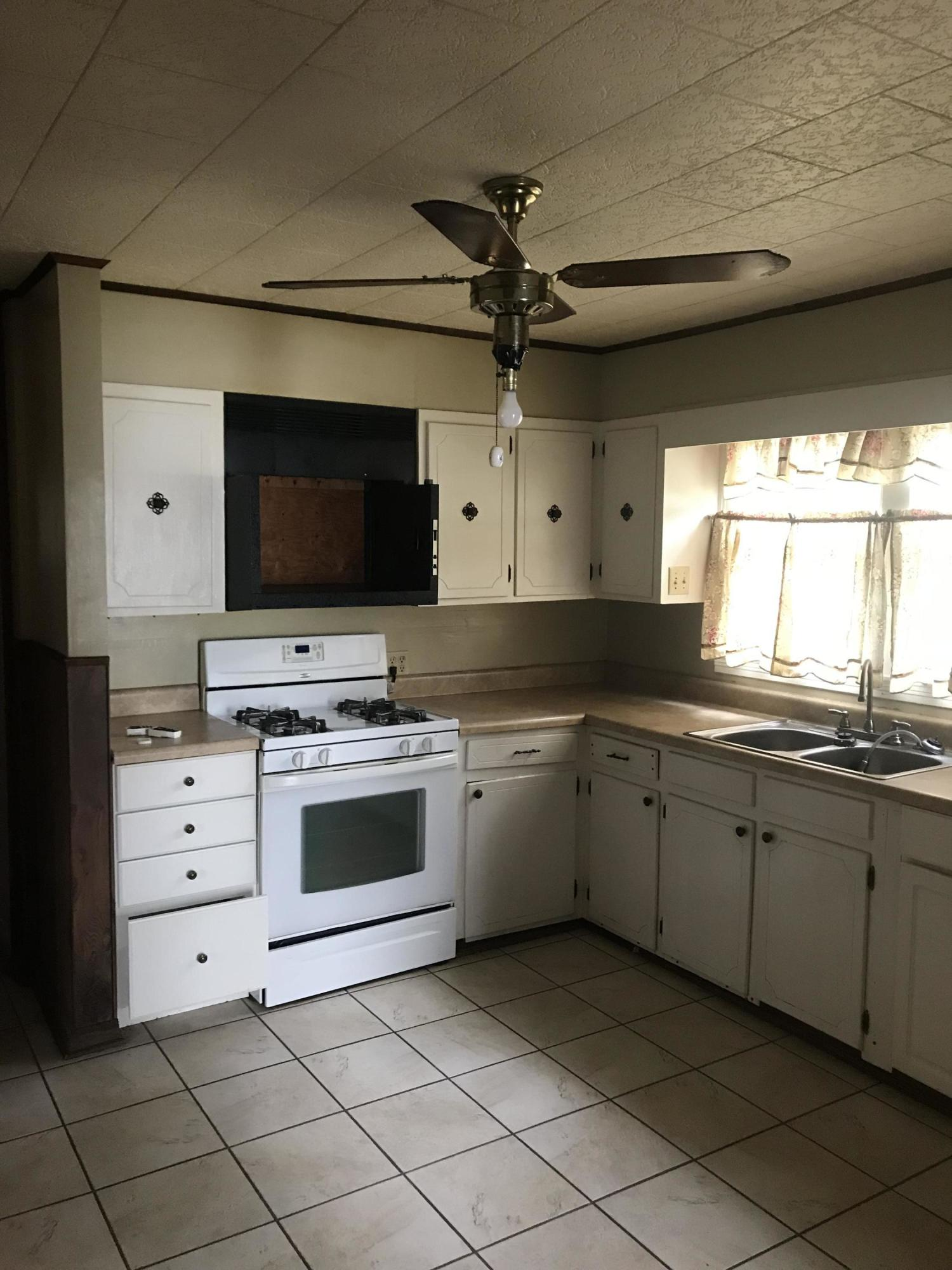 DeRidder home for sale, 129 Country Club Cir, DeRidder LA - $54,900