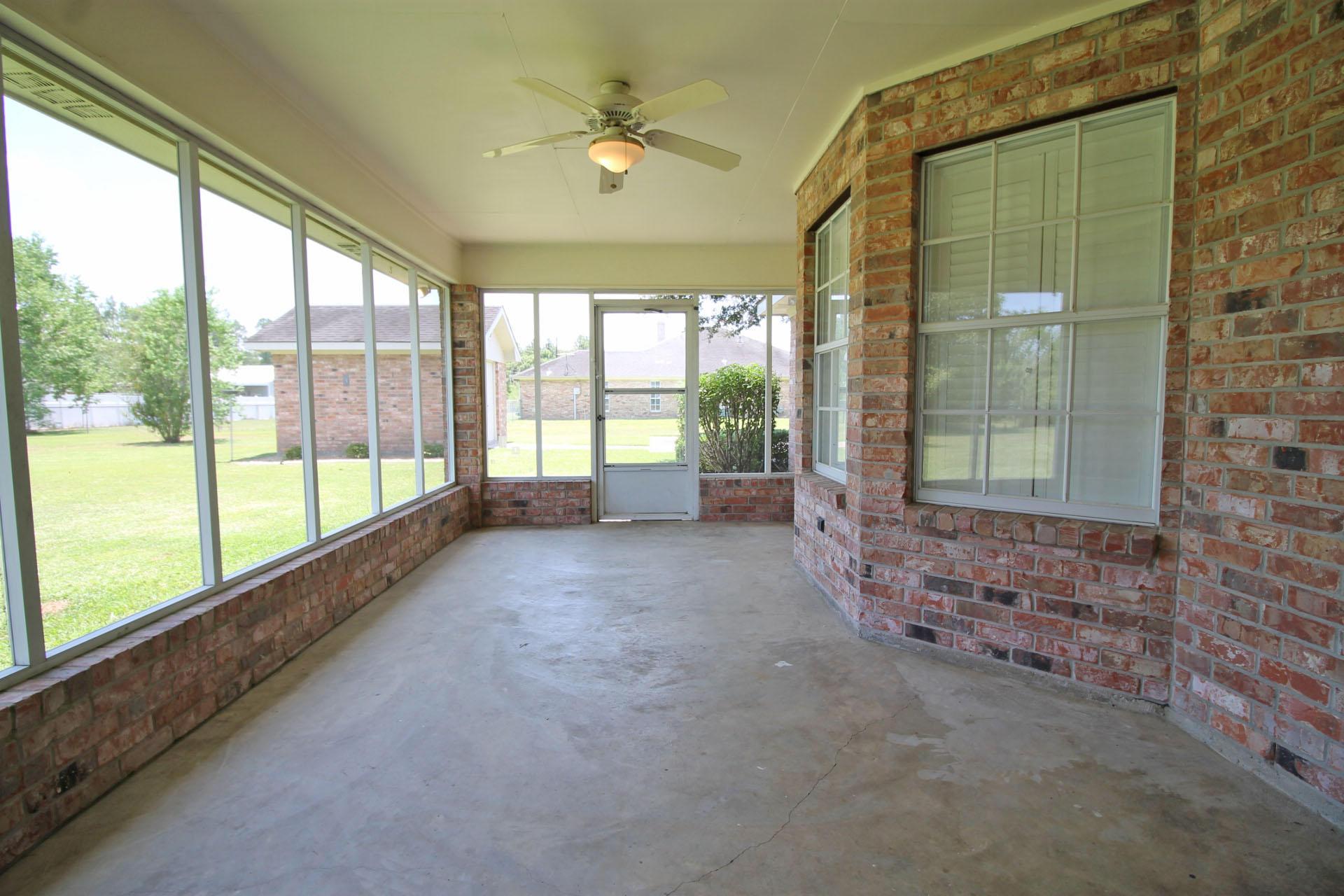 DeRidder home for sale, 1304 Allison Dr, DeRidder LA - $245,500