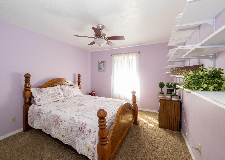 DeRidder home for sale, 1402 Meadowbrook St, DeRidder LA - $149,500