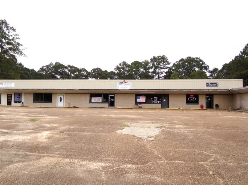 Leesville commercial property for sale, 1620 Pitkin Rd, Leesville LA - $175,000