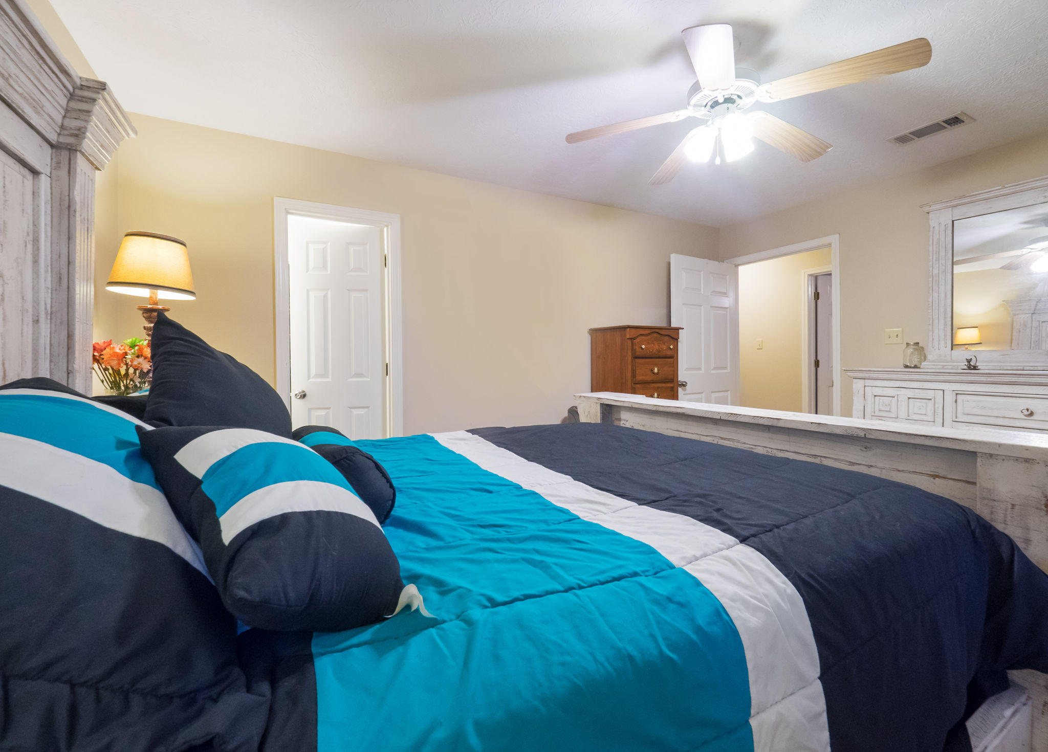 DeRidder home for sale, 165 North Ridge Drive, DeRidder LA - $193,000