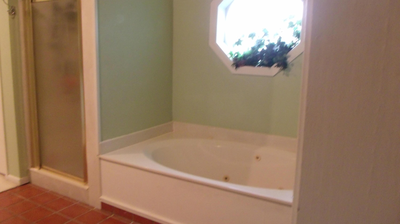 DeRidder home for sale, 1811 Dr Beckcom Dr, DeRidder LA - $292,000
