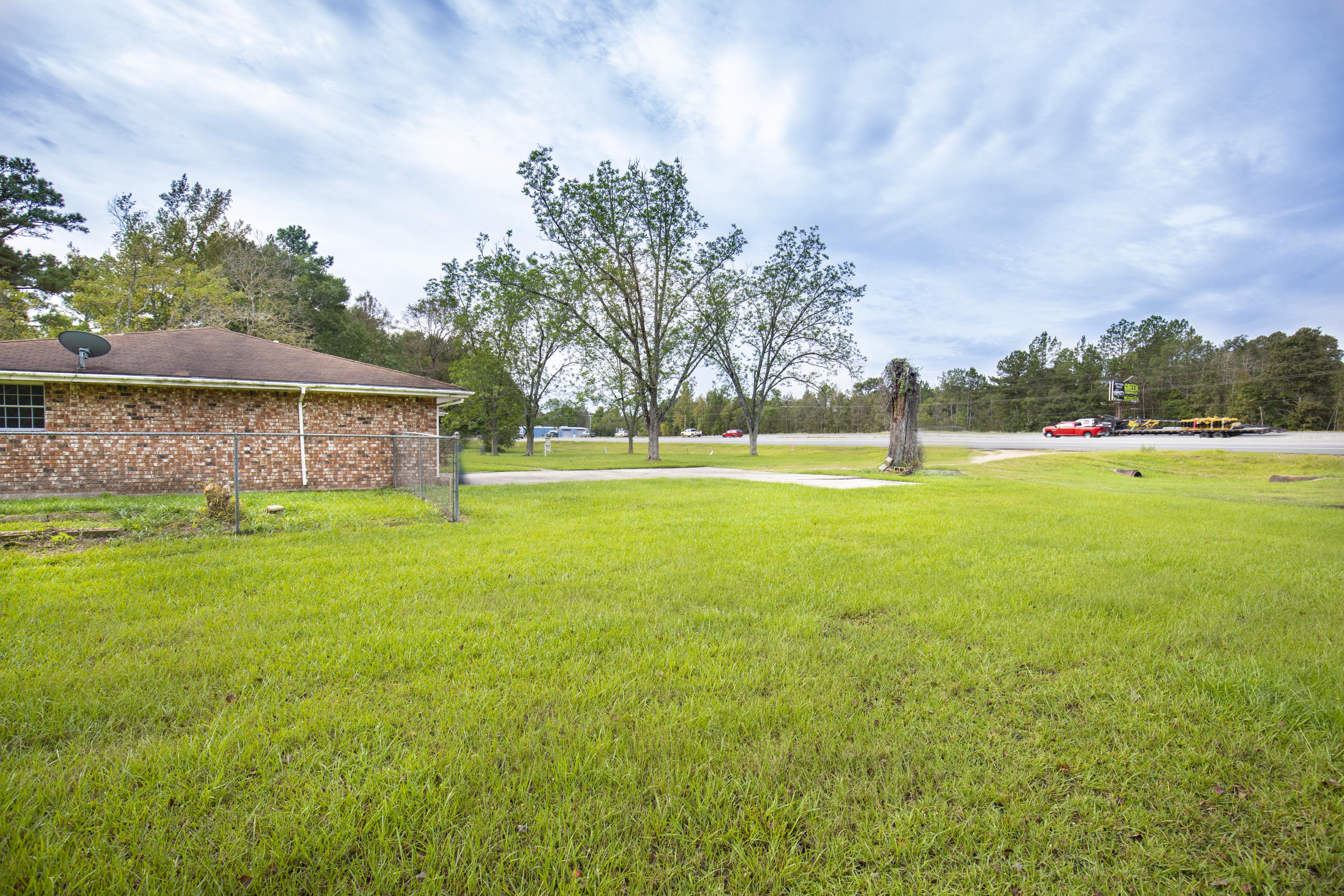 DeRidder home for sale, 19211 Lake Charles Hwy (hwy 171), DeRidder LA - $184,900