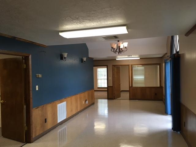 DeRidder commercial property for sale, 1945 Hwy. 190 West, DeRidder LA - $239,500