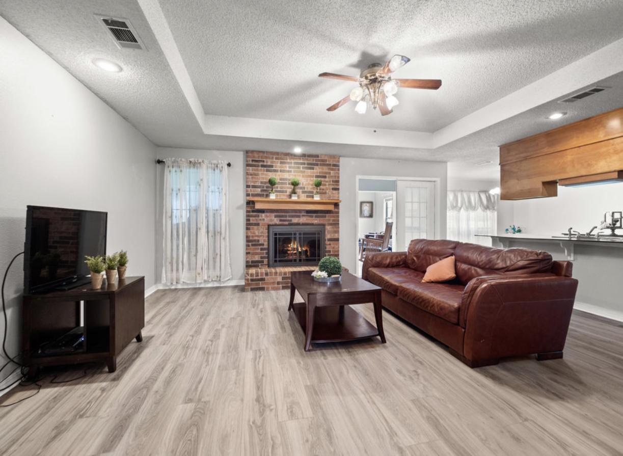 Leesville home for sale, 211 Colony Park Dr, Leesville LA - $225,000