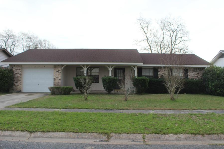 DeRidder home for sale, 2204 Angus St, DeRidder LA - $108,500