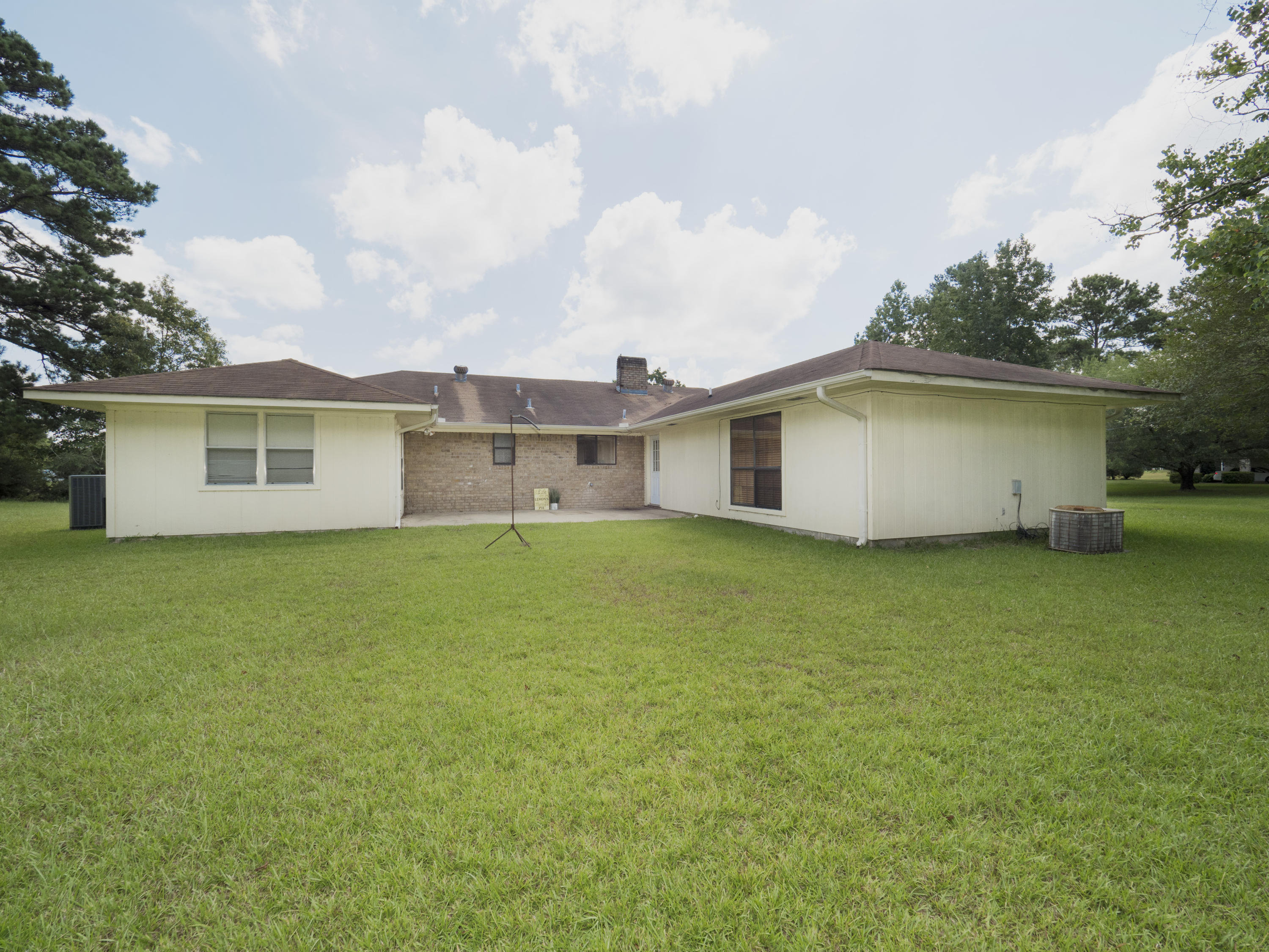 Anacoco home for sale, 3788 Main St, Anacoco LA - $172,000