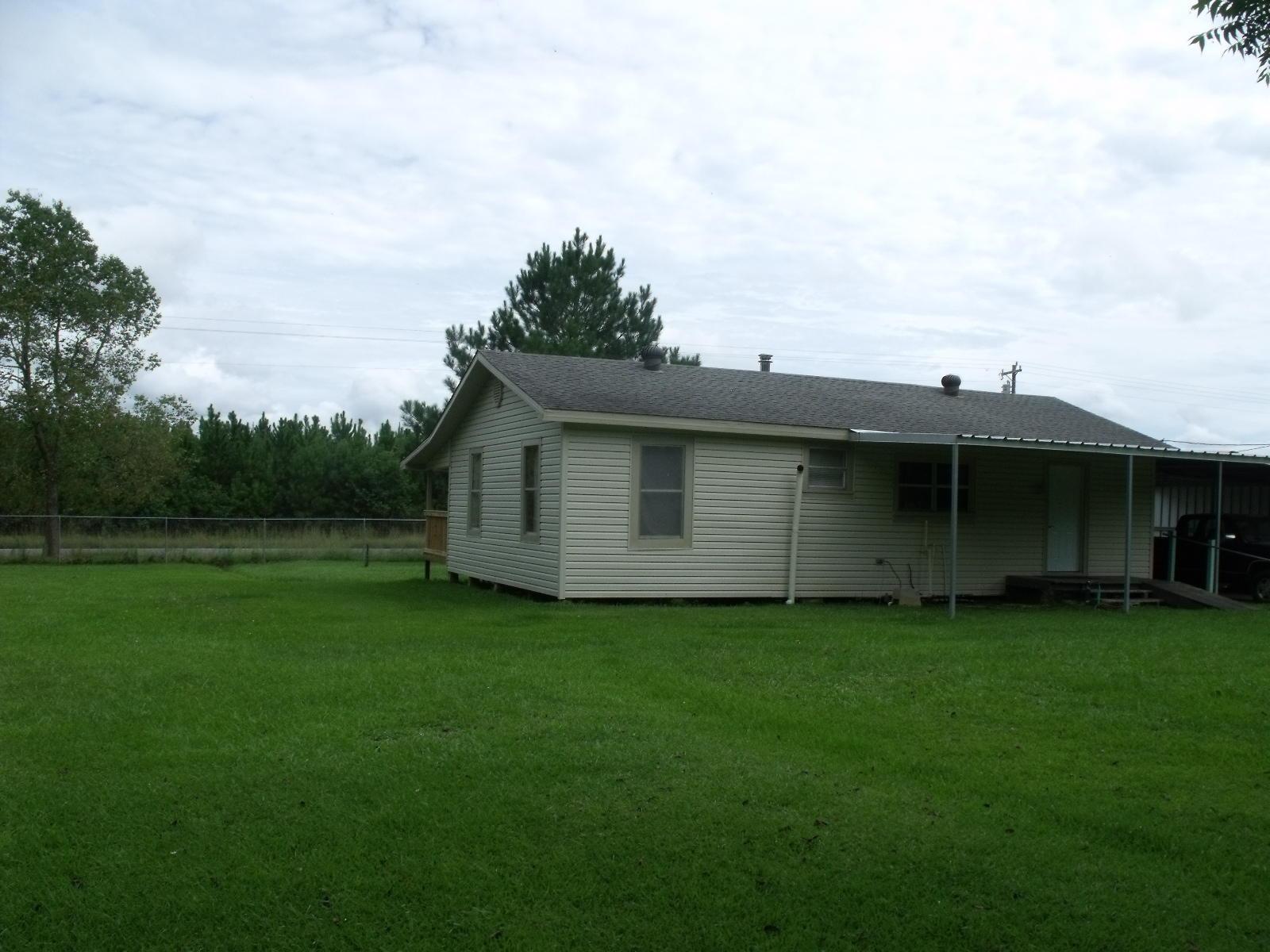 DeRidder home for sale, 4436 LA-113, DeRidder LA - $90,000