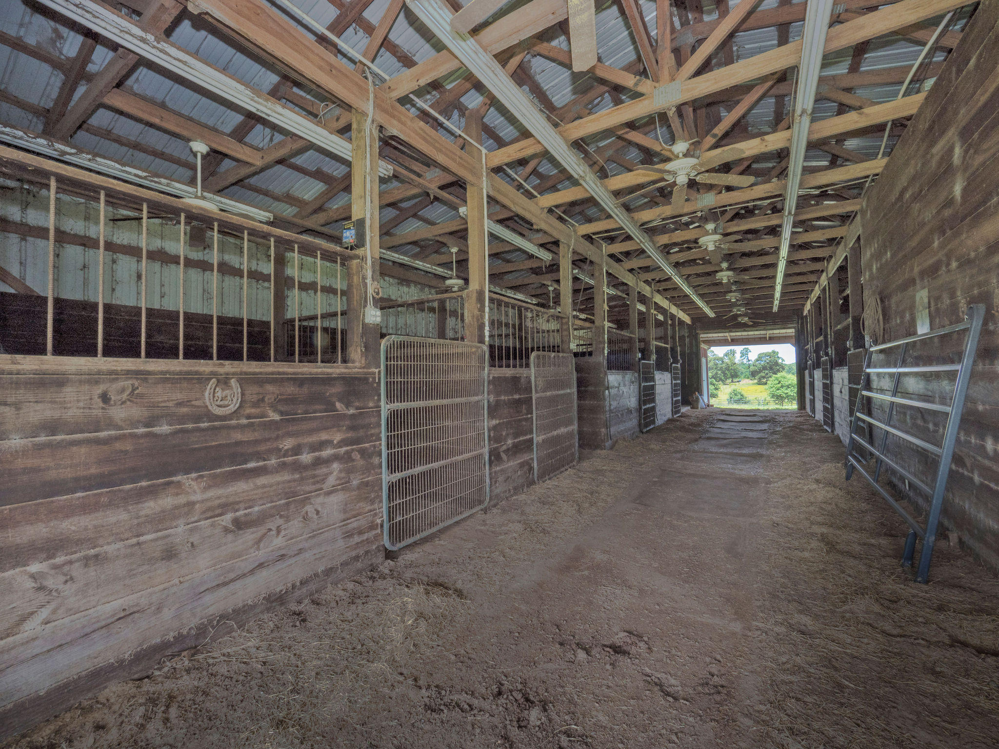 Anacoco home for sale, 472 Liles Rd, Anacoco LA - $385,000