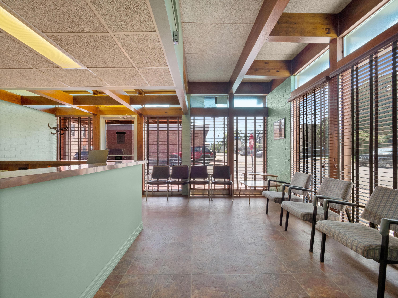 Many commercial property for sale, 505 Capitol St, Many LA - $169,000
