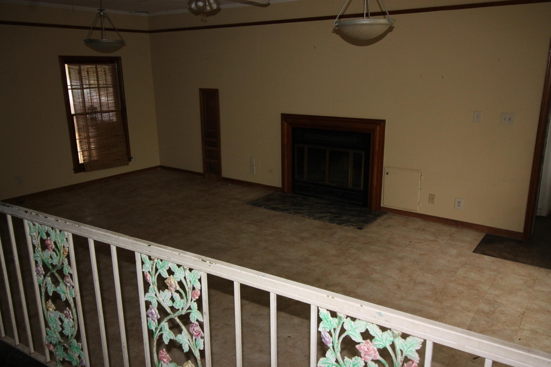 DeRidder home for sale, 506 Bilbo Street, DeRidder LA - $71,500