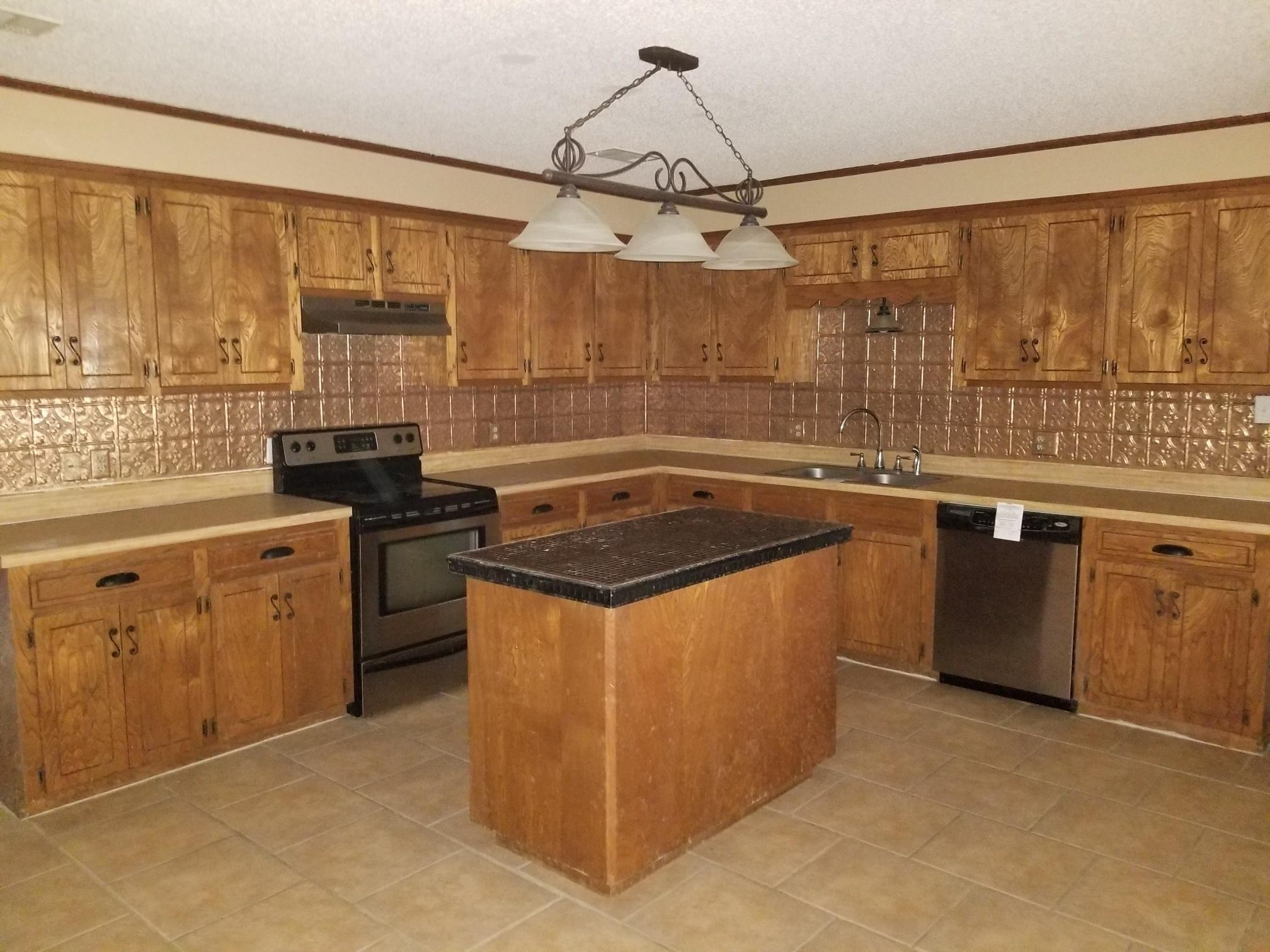 DeRidder home for sale, 712 Cherokee St, DeRidder LA - $178,000