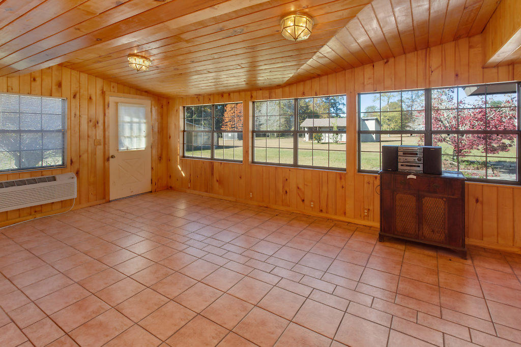 DeRidder home for sale, 7272 Main St, DeRidder LA - $224,900