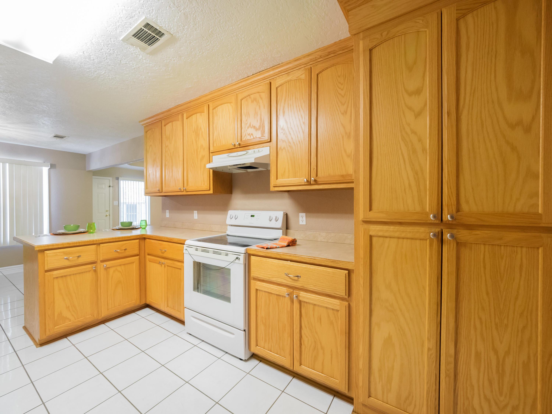 DeRidder home for sale, 910 Charlies Circle, DeRidder LA - $215,000