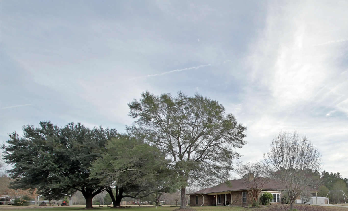 DeRidder home for sale, 9173 Main St, DeRidder LA - $249,900