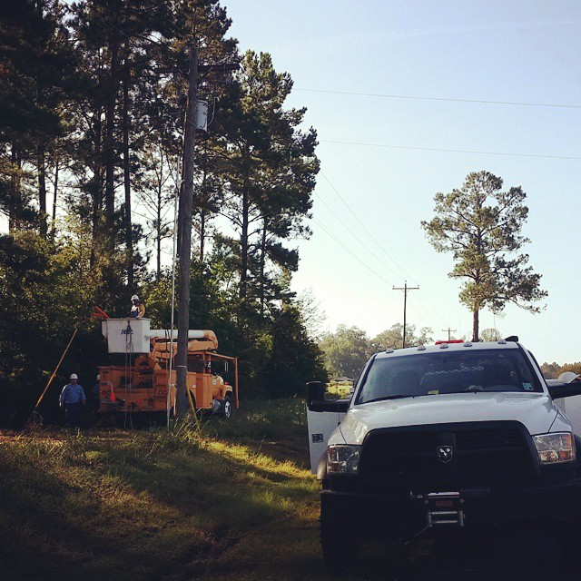 Beauregard Electric hooking up the juice to a brand new log cabin on Liliedahl Road this chilly morning. BECI BeauregardElectric DeRidder Rosepine