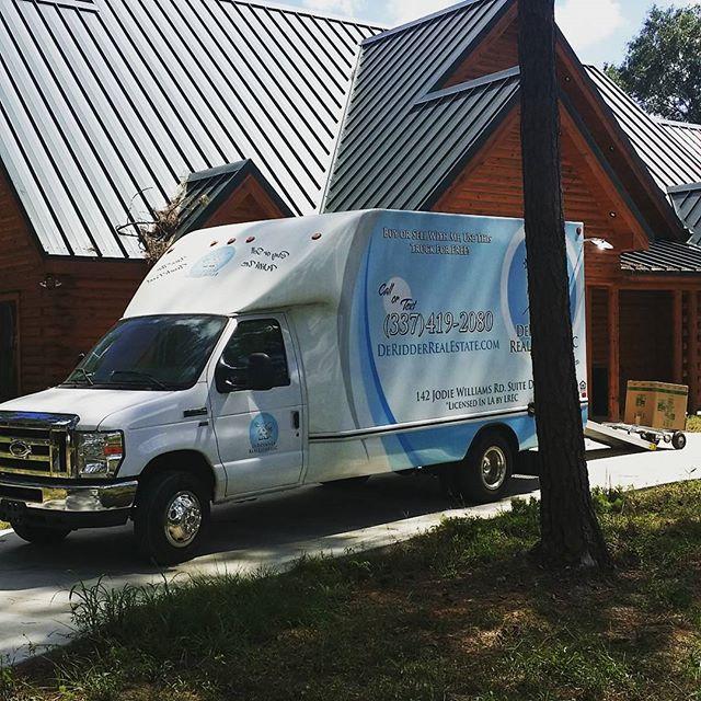 DeRidder Real Estate moving van on the move today. #freemovingtruck #freemovingvan #DeRidder  #Leesville #FortPolk