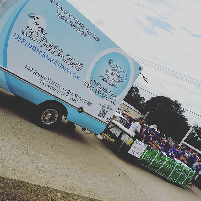 Getting our parade on! #deridder #BeauregardParishFair #parade #DeRidderRealEstate