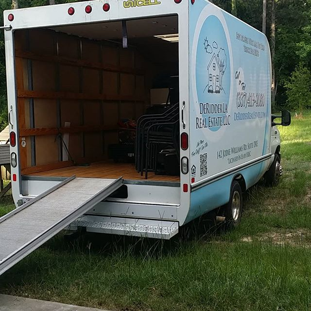 Our moving van on Location getting belongings from point A to point B  DeridderRealEstate.com  #freemovingtruck #movingtruck #deridder #Leesville #FortPolk