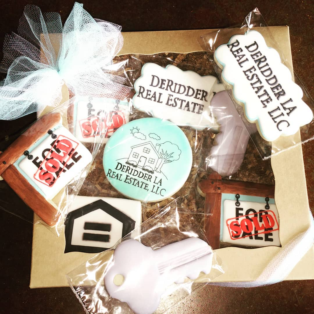 Got these cookies from Mandie's Cookie Jar.  Now enter real estate branded cookies!  #deridderrealestate #deridder #leesville #fortpolk